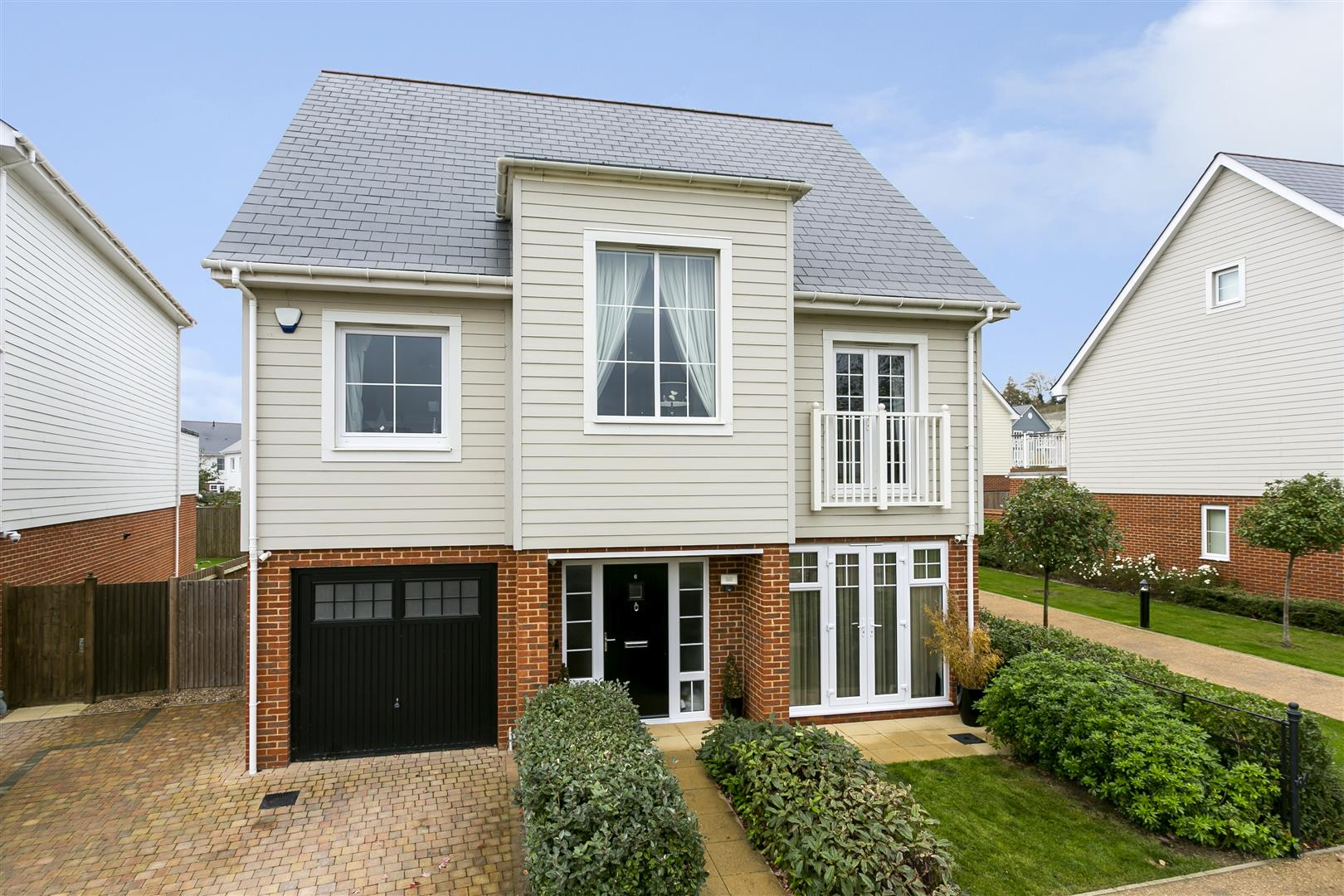 5 Bedrooms Detached House for sale in Whitby Close, Snodland
